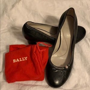 EUC Bally Black Leather Classic Heels!